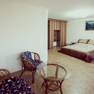 Апартамент (3 кімнати)