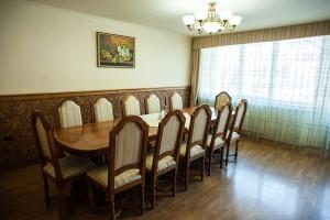 """Готельний комплекс """"Виноградів"""" - Бенкетний зал"""