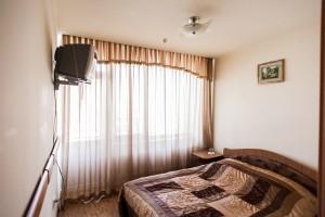 "Готельний комплекс ""Виноградів"" - Готельний номер ""Стандарт"""