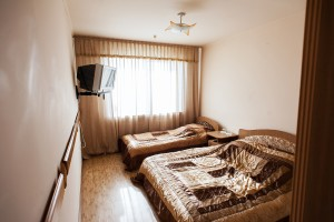 """Готельний комплекс """"Виноградів"""" - Готельний номер """"Стандарт - тримісний"""""""