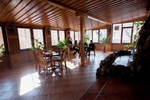 """Готельний комплекс """"Виноградів"""" - Літня тераса"""